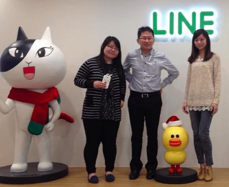 Jessie Wu(右),Whoscall CFO Jackie Cheng(中),與高而芬(左)