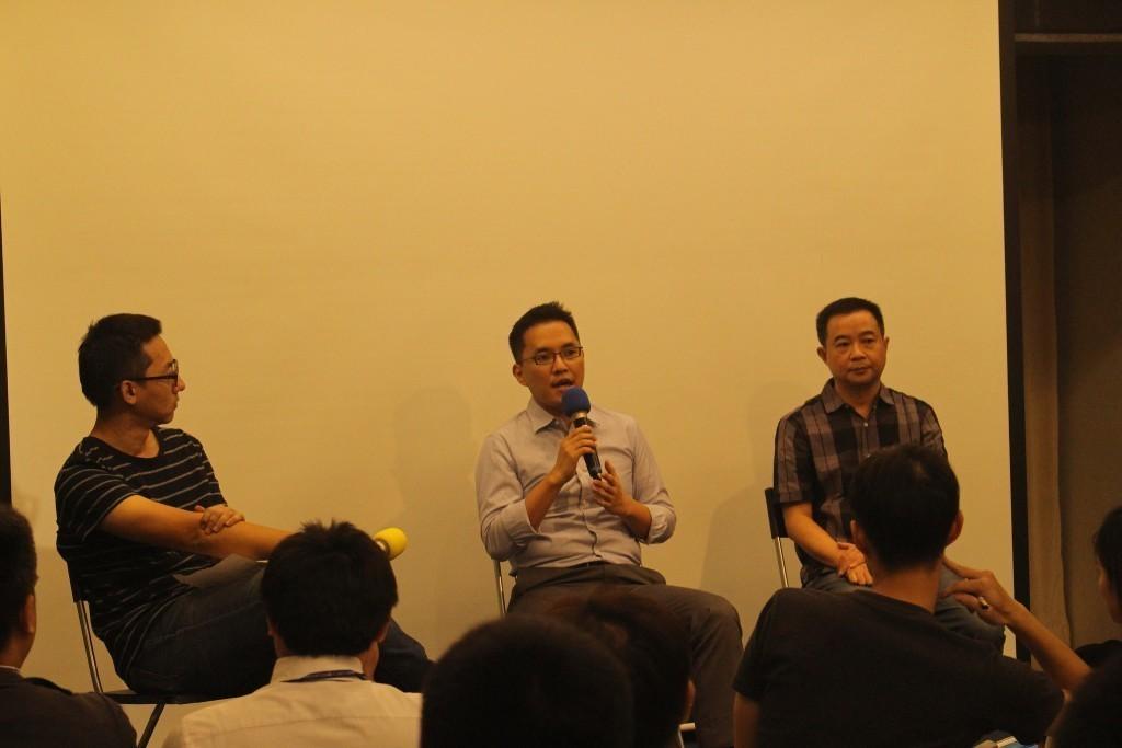 左起:主持人鄭國威、Muzik Online共同創辦人孫家璁、KKPLAY處副總陳又榮