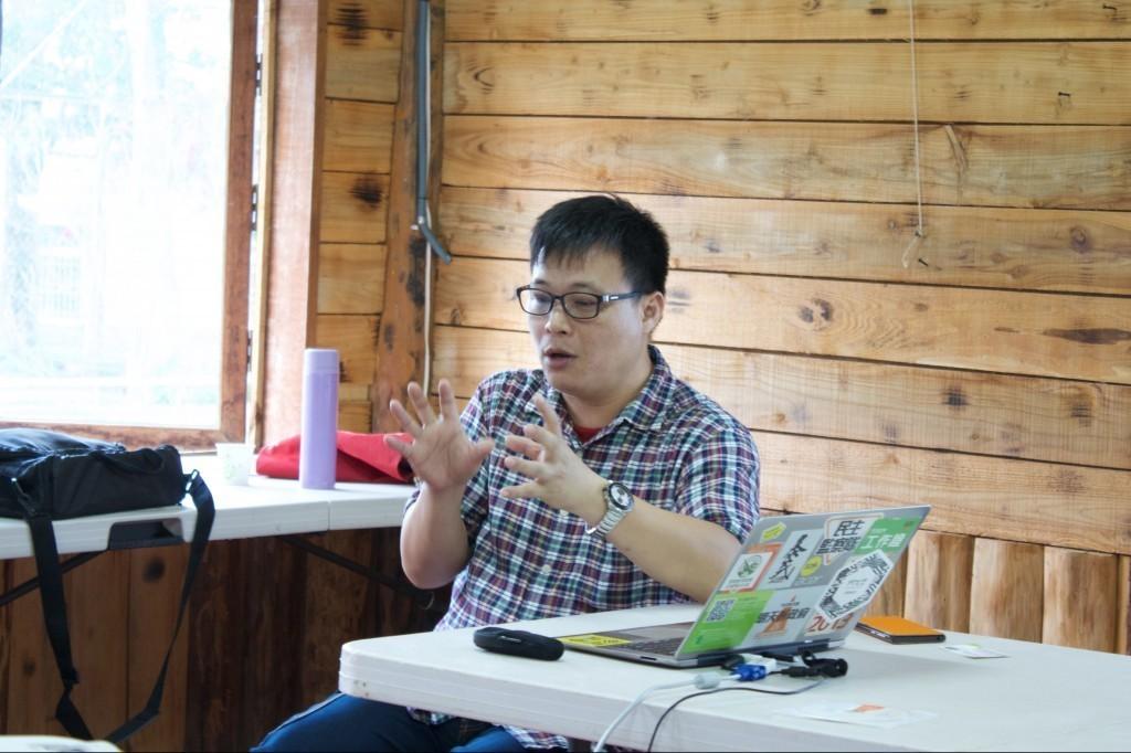 655 農創基地的創辦人林仲哲分享自己的網路行銷經驗
