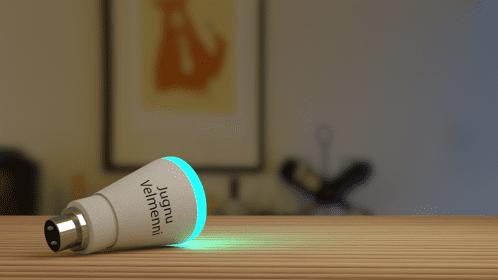 Velmenni 團隊研發出的 Jugnu 智慧 LED 燈泡。圖片來源:Velmenni 截圖