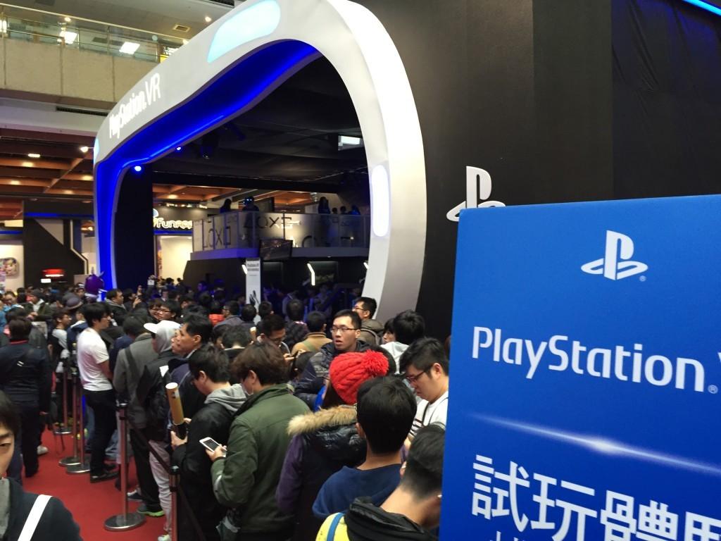 SONY PlayStation VR 試玩排隊盛況