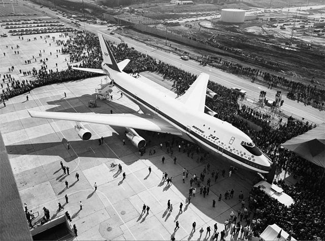 波音 747 的原型在 1968 年 9 月 30 日第一次被展示