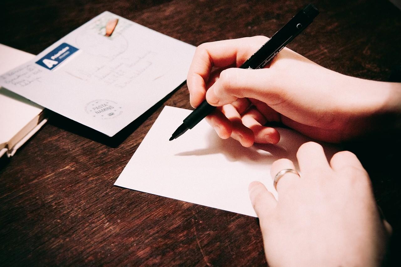 writing-923404_1280