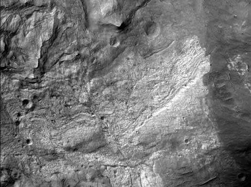 MRO 正式回傳的首張火星高清相片。 圖片來源:NASA