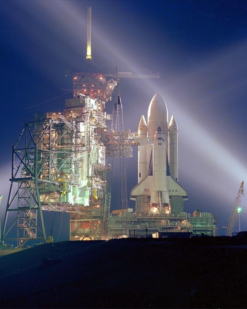 等待起飛的哥倫比亞號。 圖片來源:NASA