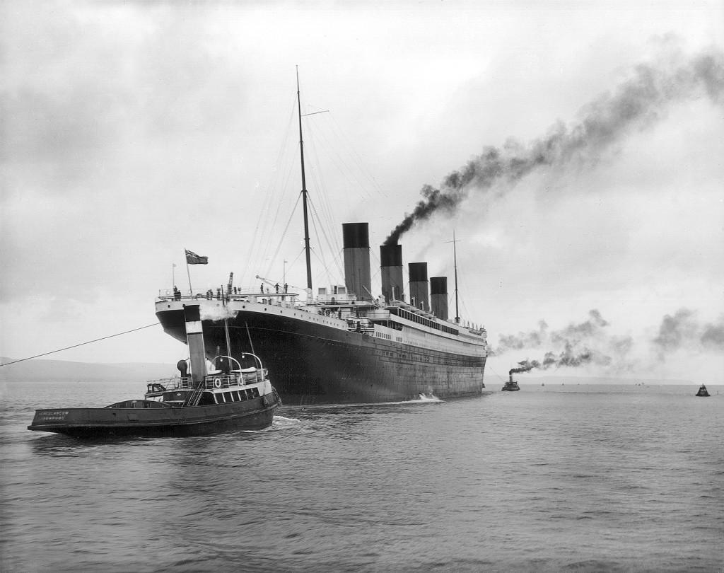 1912 年 4 月 2 日,正在進行試航的鐵達尼號。 圖片來源: Wikipedia