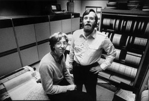 Bill Gates(左)與Paul Allen 共同創辦了 Microsoft。圖片來源:Thisdayintechhistory.com