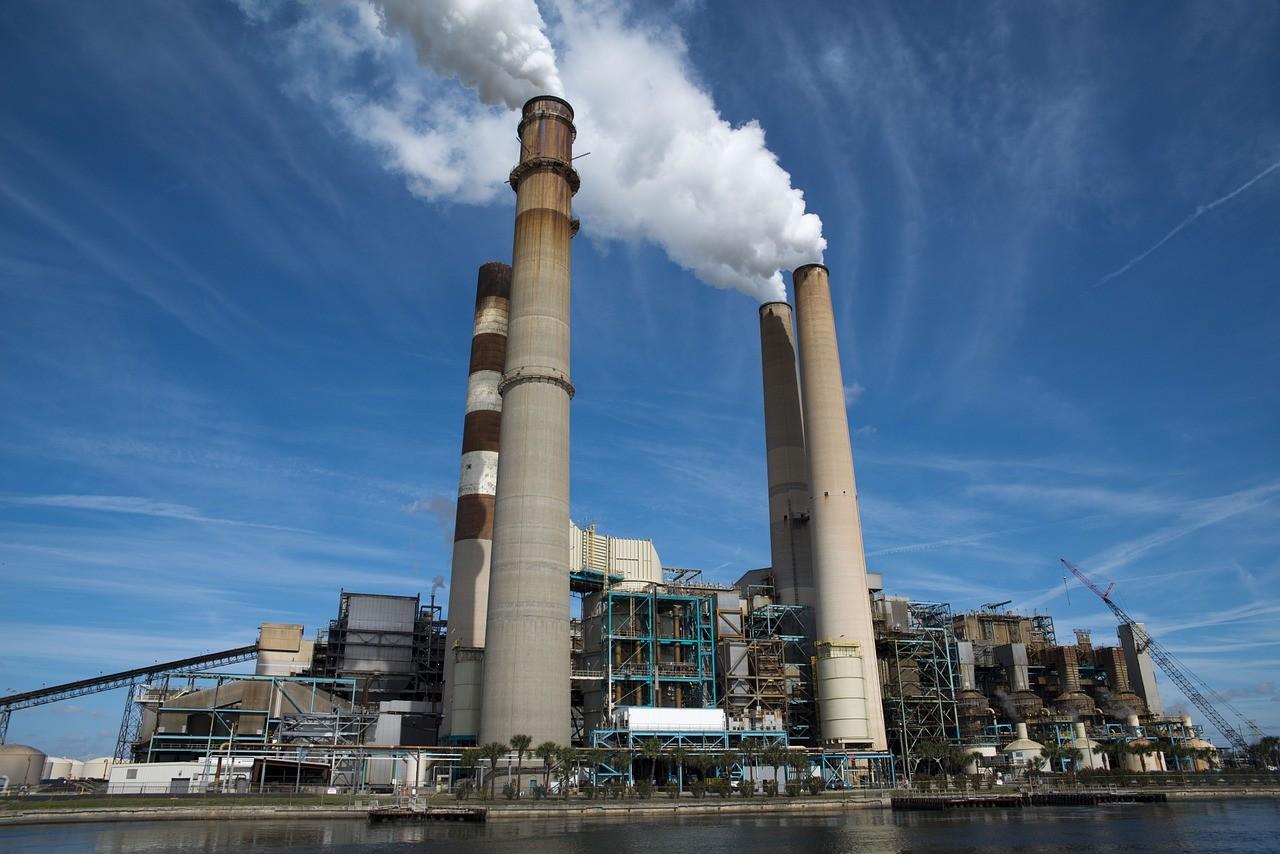 中國目前積極推動以再生能源取代煤炭火力發電廠。圖片來源:Pixabay