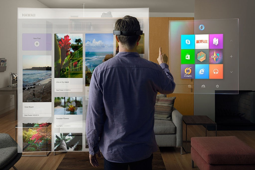HoloLens living room。圖片來源:Wikipedia by Microsoft Sweden