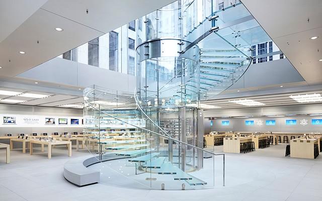立方店寬闊的內部照。圖片來源:NeoGAF.com