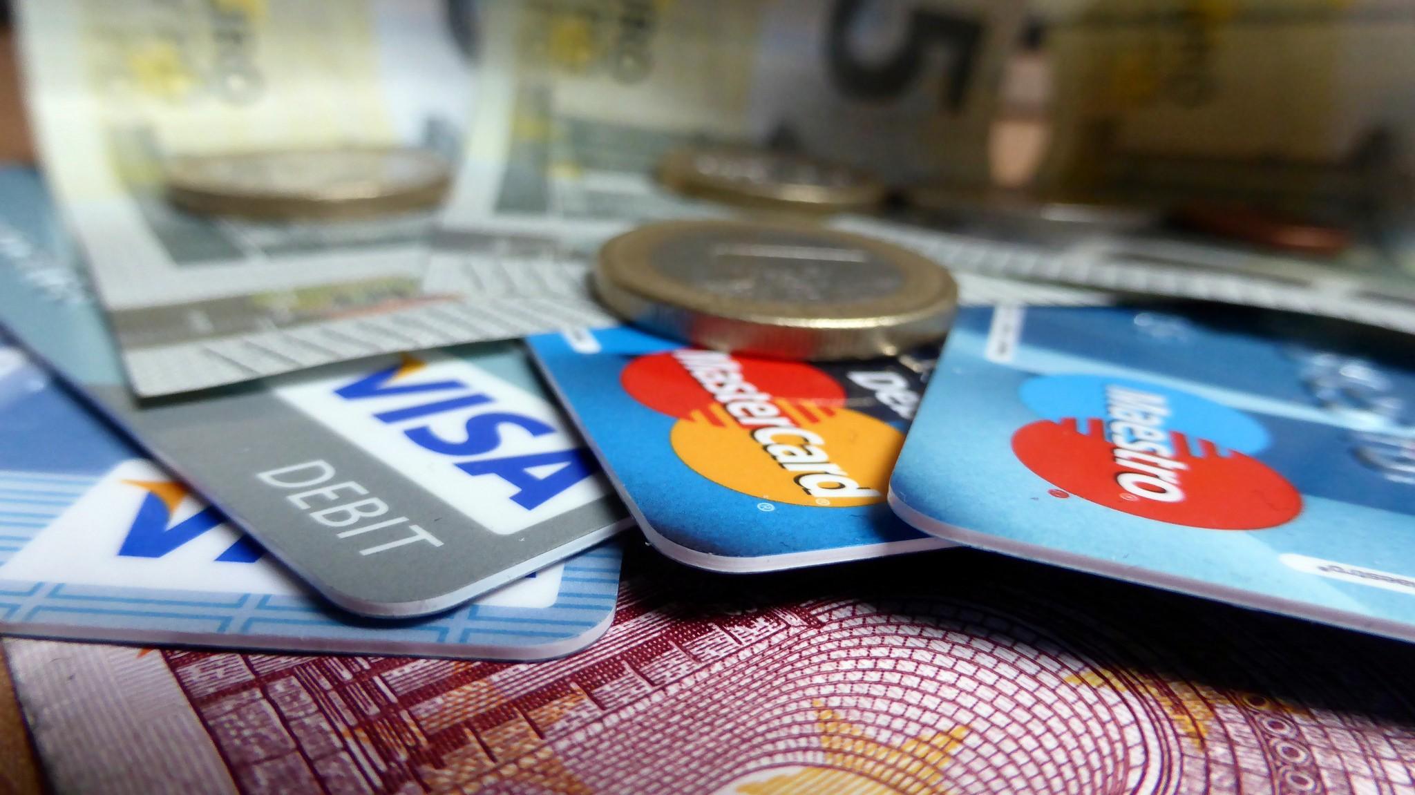 比起傳統金融體系,區塊鏈是種新興的賦能科技(photo via Sean MacEntee@flickr, CC License)