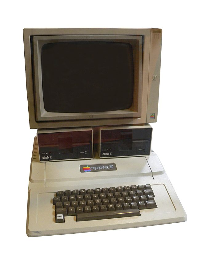 1977 年上市的 Apple II 電腦。 圖片來源:Wikipedia