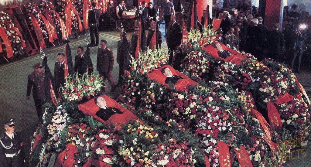 蘇聯隆重的替三位不幸罹難的太空人舉辦了盛大莊嚴的葬禮。 圖片來源:Joachim Becker @SpaceFacts