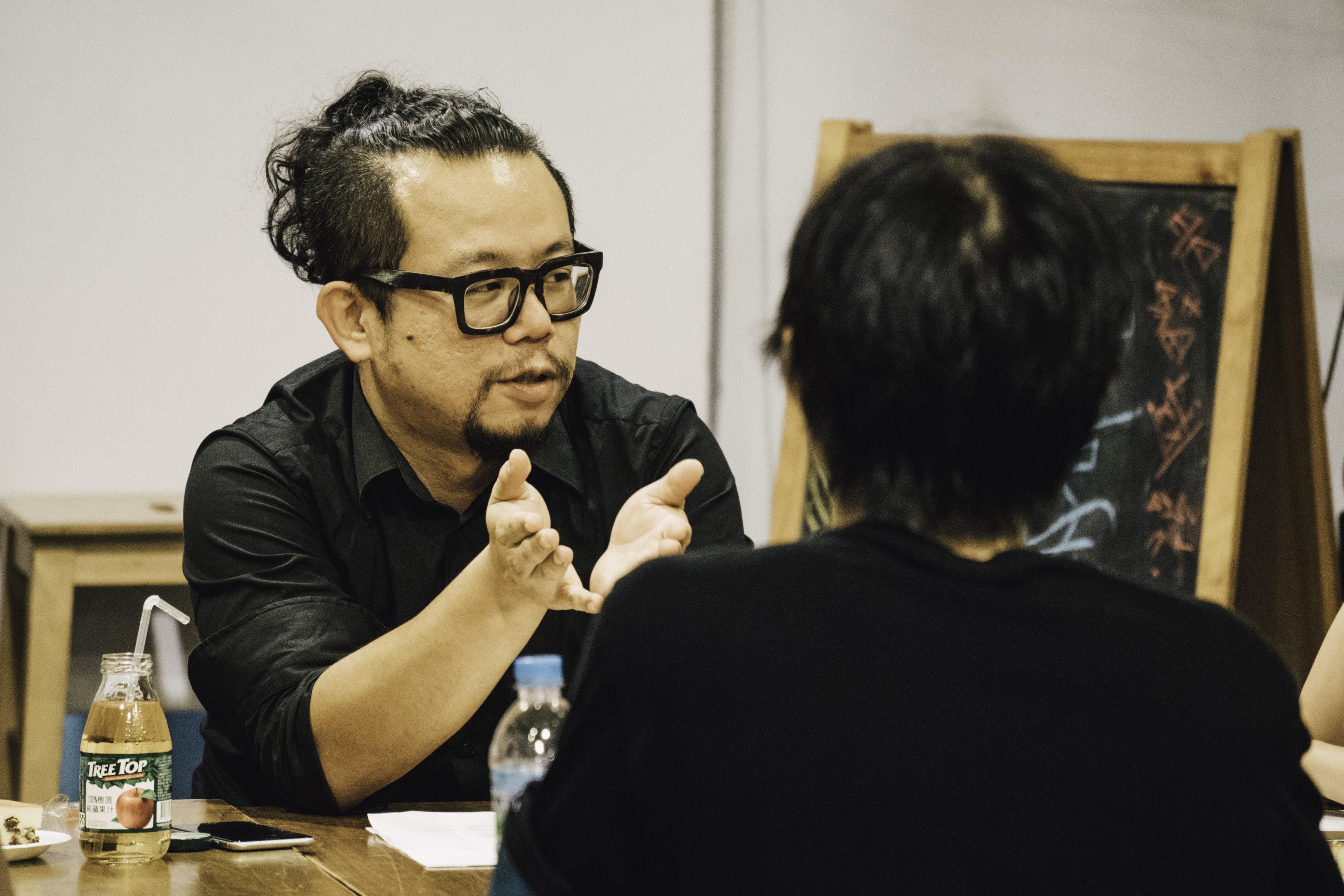 蘇仰志與大家分享他所認為的「策展」(照片來源:changee 串串)