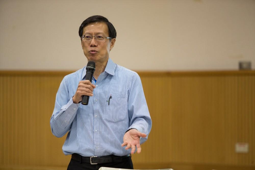 新加坡南洋科技大學教授 Ang Peng Hwa 指出,各國政府都要加強物聯網相關的法規,才能保障個人隱私與資料。圖片來源:APrIGF