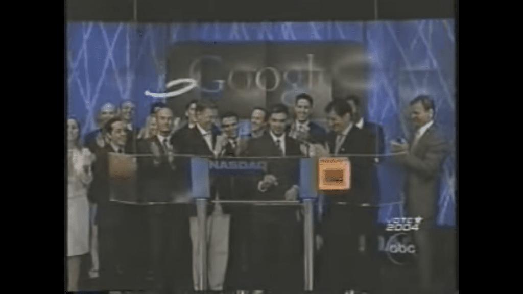 2004 年,Google 正式在華爾街掛牌上市。 圖片來源:Youtube 截圖