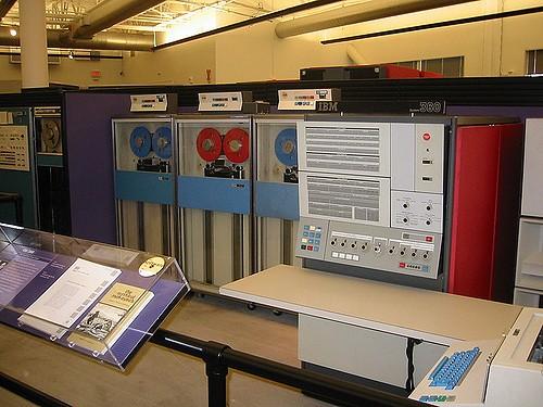 IBM 的 System 360 大型電腦。圖片來源:Naotake Murayama @flickr , CC 2.0