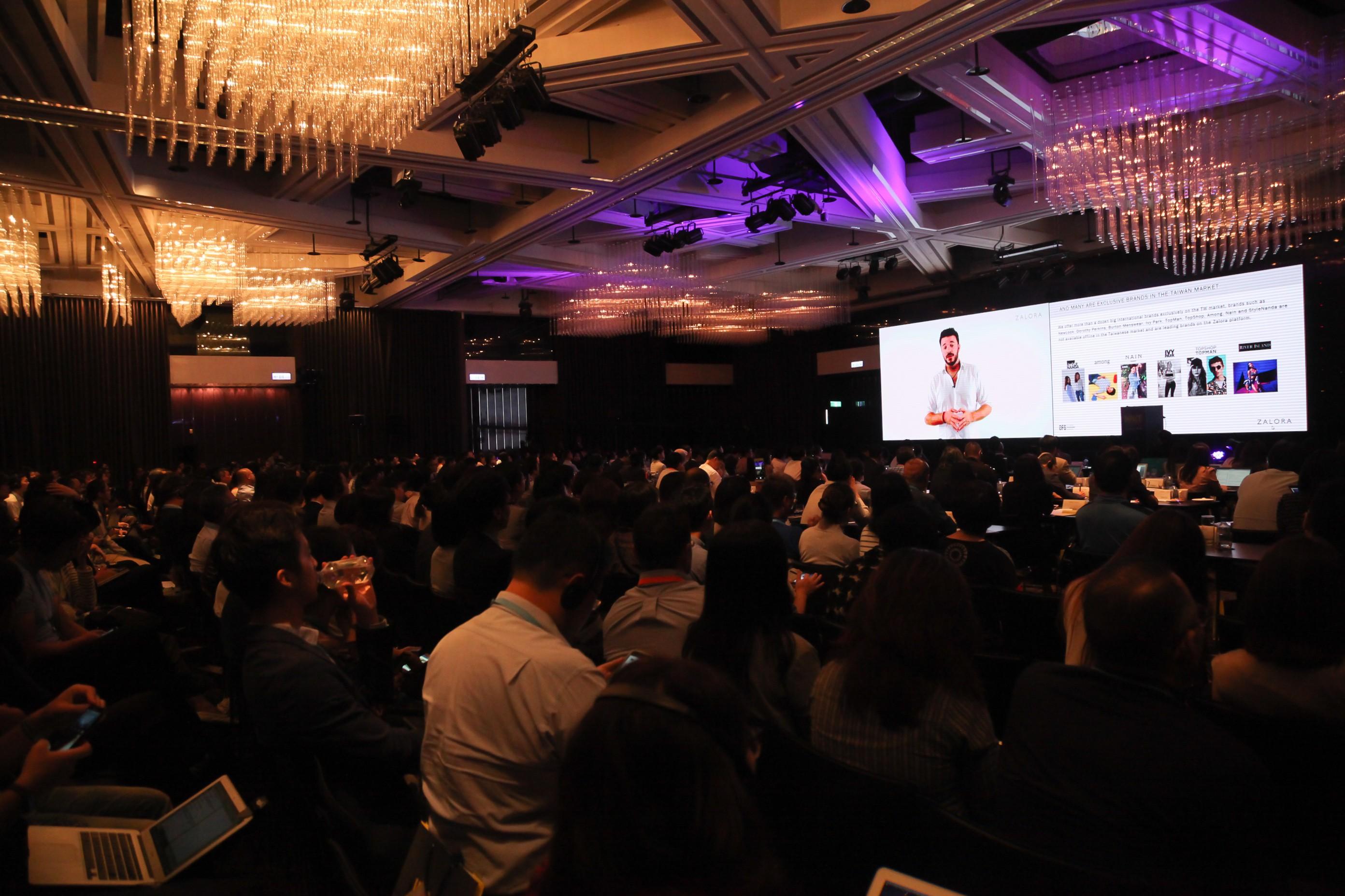 圖三:ZALORA 台灣營運總監 Giulio Xiloyannis 亦透過影音與 Live QA 與現場聽眾揭開國際時尚集團打進在地市場的祕技