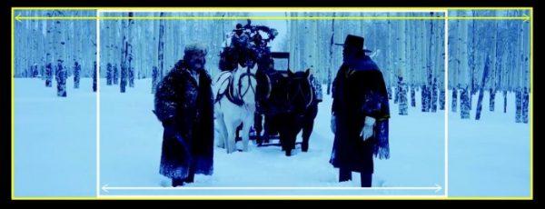 電影《八惡人》畫面,導演以70 釐米膠卷拍攝,圖片呈現傳統 35 釐米 vs. 70 釐米的構圖差異。圖片來源:Vox