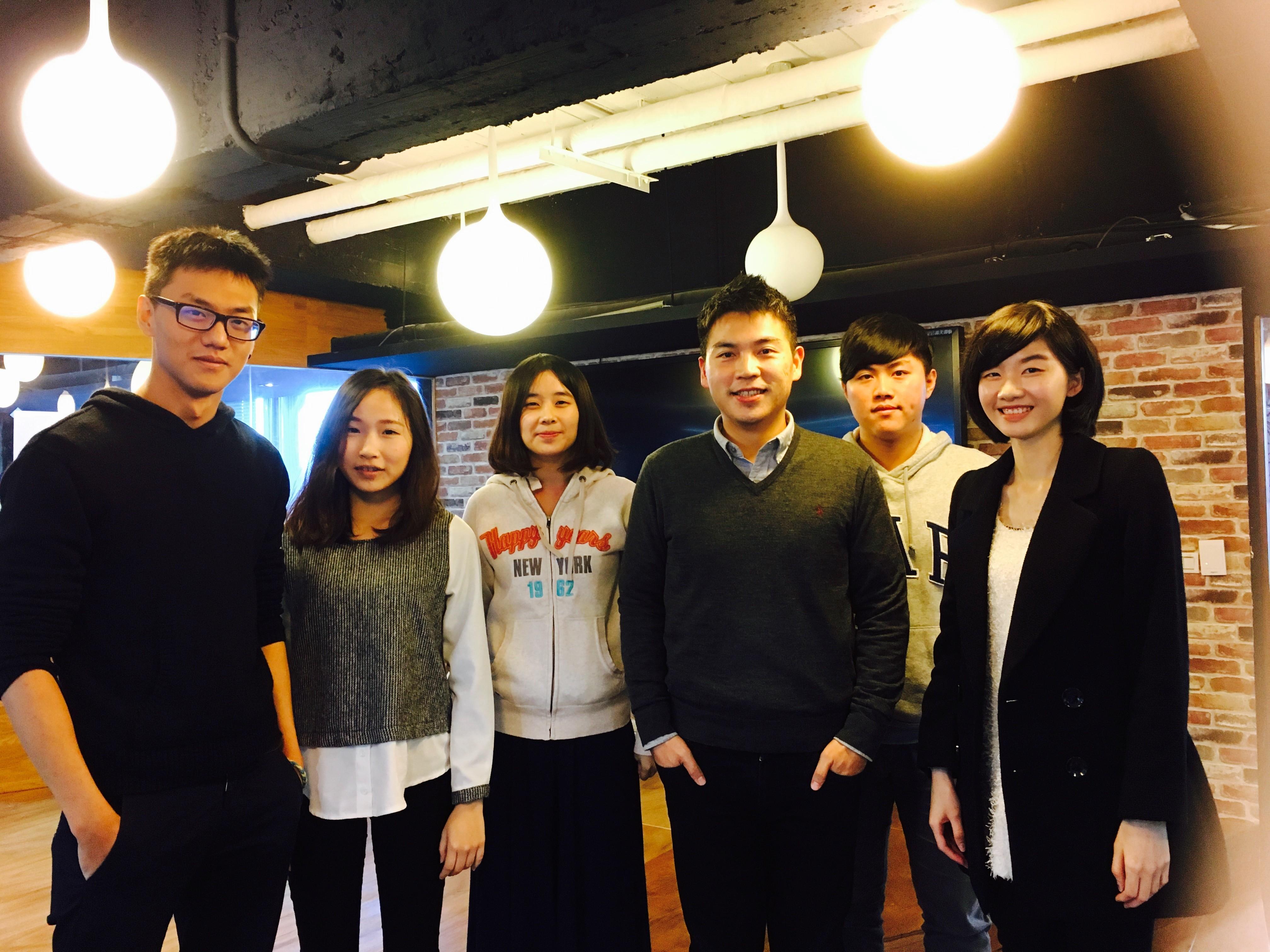 Codementor 創辦人劉威廷與學生投資人分享趨勢觀察和創業經驗。圖片來源:500 Startups