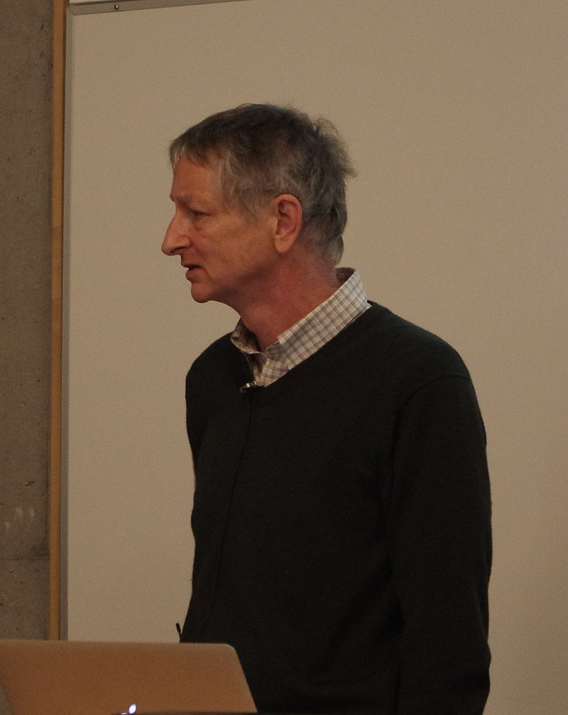 Geoffrey Hinton 被稱為深度學習之父(Photo via Eviatar Bach@wikipedia, CC License)