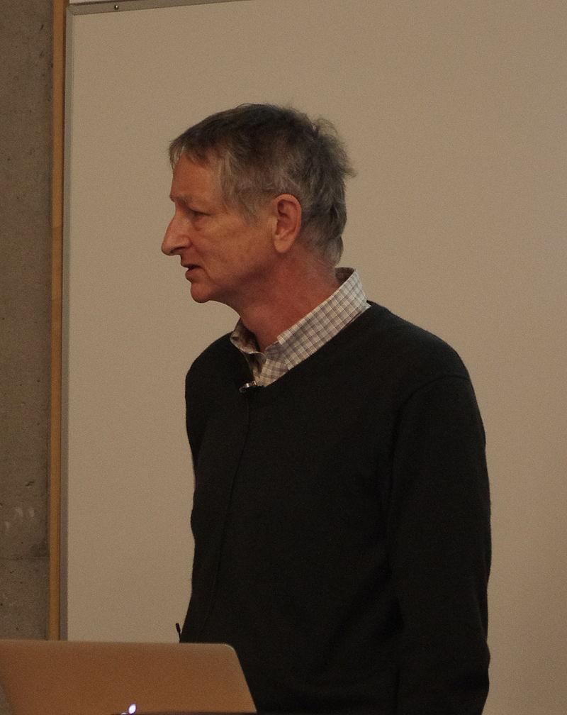Geoffrey Hinton 被稱為深度學習之父(Photo via Eviatar Bach@wikipedia, CC License)