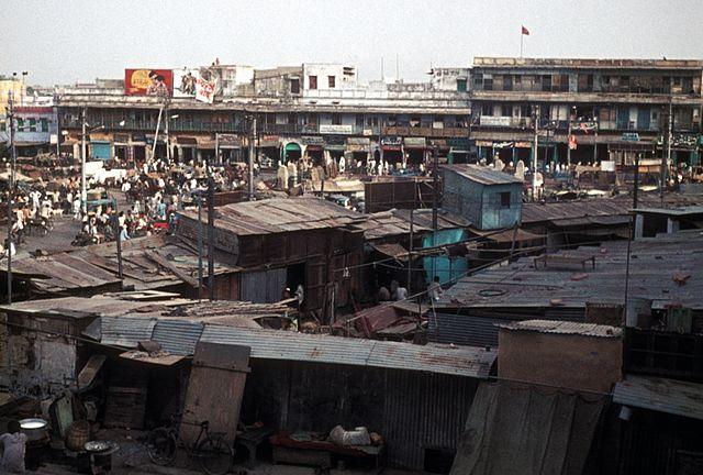 640px-1973_delhi_slum