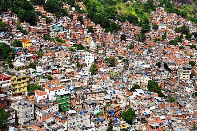 640px-1_rocinha_favela_closeup