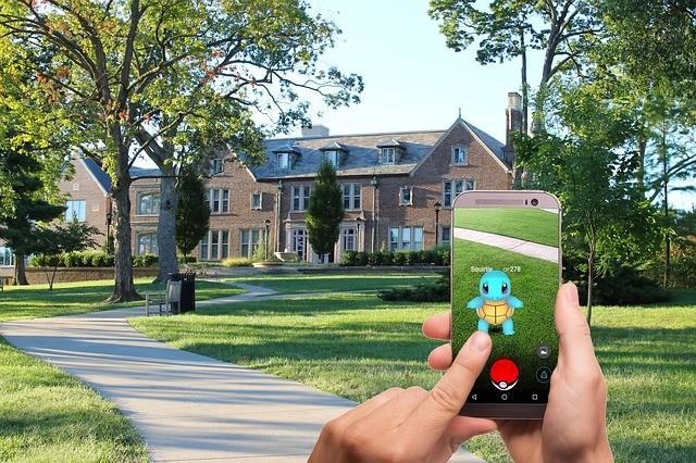 Pokémon Go 以文化資本及數位工具,以虛擬的方式,「重新定義」了真實空間的意義。圖片來源:Pixabay